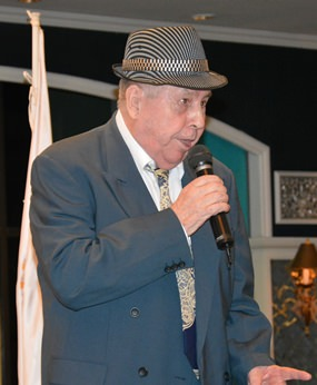 The inimitable Jim Sinatra entertained the guests with Frankie's classics.