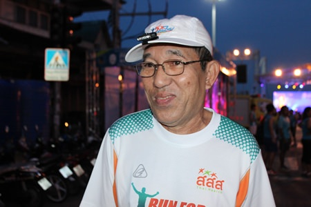 70-year-old Thammachart Sangkawong ran in the full 42.2k marathon, saying that exercising every day is a way to stay out of the hospital.