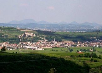 The town of Soave (Photo: Zen41)