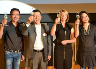 (L to R) Sukhumnanda Kukudom, Auttapon Thaweesuntorn, Assistant Director, TAT Pattaya, Kate Gerits, General Manager Holiday Inn Pattaya, and Jatuporn Phiukhao, Executive Assistant Manager Holiday Inn Pattaya, raise a toast to the opening of Holiday Inn Pattaya's Executive Tower.