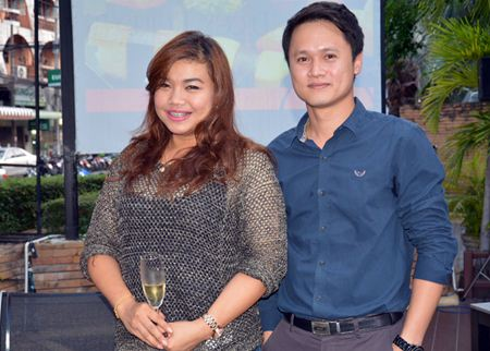 Koonlapatporn Intarasing, Key Account Manager of the Siam Winery and Bantawat Kerkpittaya, Manager of the Wine Dee Dee Pattaya Co., Ltd.