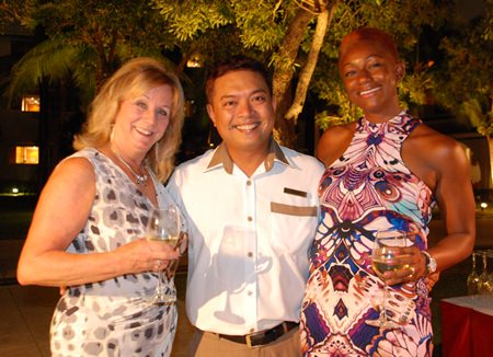 From L to R: Marry Adams, Thanakiti Saivichittree, Manager of Food and Beverage of Amari Pattaya and Eg Brubaker.
