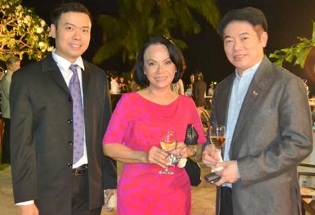(l-r) Nopporn Kanchanamanee ,Thai Airways International, Pattaya, Srisodsai  Sukavut  and Vajaravudh  Victor  Sukseree, Swedish Honorary Consul in Hua Hin
