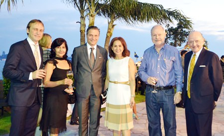 (l-r)  Dr. Hakan Alm (AIP International University, Bangkok) Sue Kukarja (PMTV),  Anders Lundquist (Pacific 2000 International Recruitments),  Viyada  (Victoria) Tannawee (Pacific 2000 Siracha), Jan  Eriksson (President of Thai-Swedish Chamber of Commerce) and Christopher Berg.