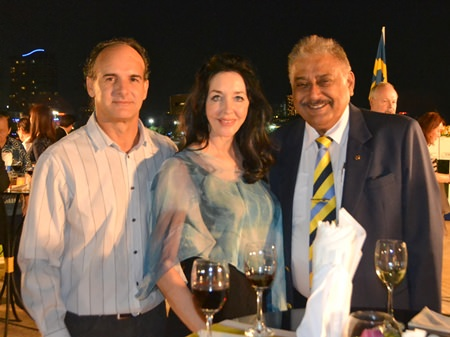 Les Nyerges and Raine Grady (Capital TV) meet up with Peter Malhotra (Pattaya Mail Media Group).