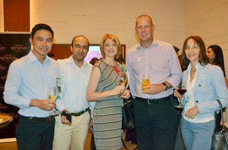 The Holiday Inn Pattaya Team (l-r) Sukhumnanda Sukudom, Sarad Upadyay, Kate Gerits, and Michael Gerits with Svetlana Troubtchaninova.