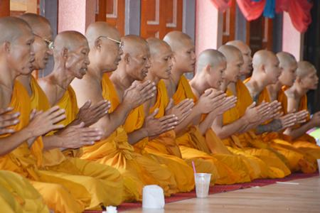 Monks at Bunsamphan temple, Soi Khao Noi chant to announce the end of Buddhist Lent.