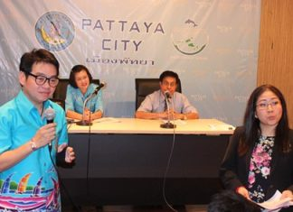 Rattanachai Suthidechanai (front left), head of Pattaya's tourism and sports department, and Pattaya spokesperson Yuwathida Jeerapat (front right), along with Director of Health Management Rungnapa Thapnhonghee (back left) and Dr. Kritsada Manuyawong (back right), give a public report on the new Pattaya hospital's readiness.