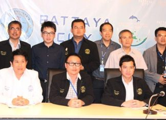 (Seated, left to right) Banjong Banthoonprayuk, Ithiwat Wattanasartsathorn, and Samrongkiat Phinitkankan, along with their committee discuss new rules aimed at cleaning up Pattaya and Jomtien beaches to bring them in line with policies set by the National Council for Peace and Order.