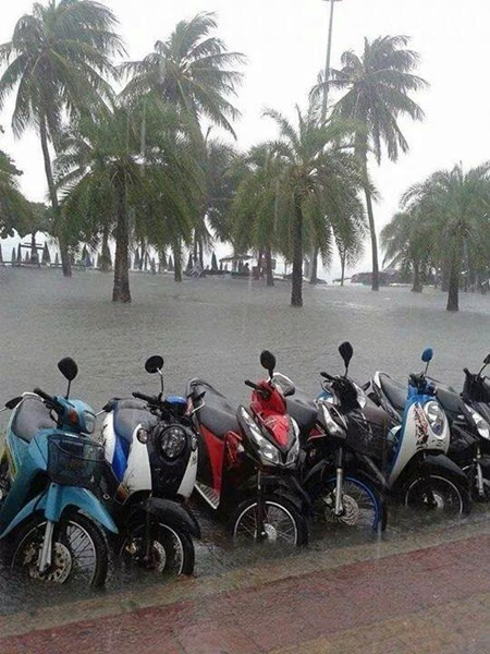 Pattaya city fathers are trying, but have yet to control the flooding situation in Pattaya.