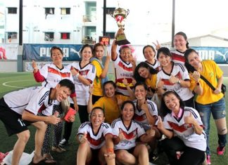 The women's champions from Lions Club of Pattaya Banglamung celebrate their victory.