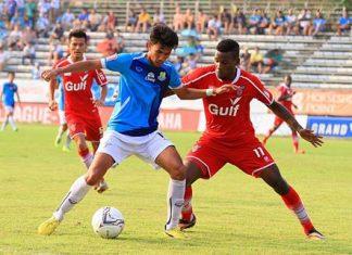 Pattaya United and Saraburi FC are shown in action during their Thai Division 1 fixture at the Nongprue Stadium in Pattaya, Sunday, Oct 12. (Photo/Pattaya United)
