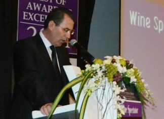 Antonello Passa, GM of the Royal Cliff Hotels Group, welcomes deVine club members and guests to the grand celebration.