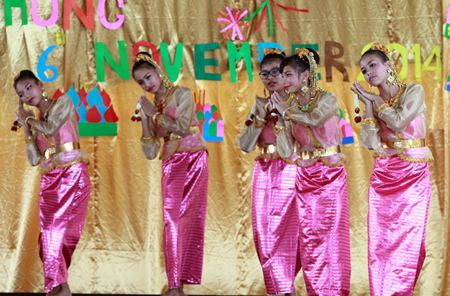 Students from Secondary perform a traditional Thai dance.