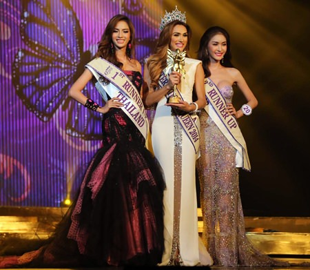 22-year-old Venezuelan Isabella Santiago (center) has been crowned this year's Miss International Queen. She is flanked by 1st runner-up Nissa Ketrahong (left) from Thailand and 2nd runner-up Piyada Inthawong of Laos.