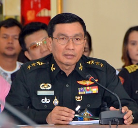 The National Council for Peace and Order dispatched Col. Popanan Luengpanuwat from the 14th Military Circle in Chonburi to preside over the latest meeting about Pattaya's traffic and parking problems.