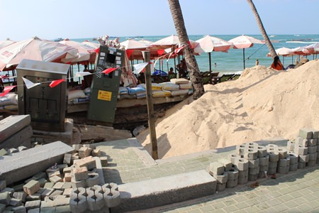 The major concern with the beach refill project is the repeated damage to the beach that flood runoff has caused. In areas such as near Soi 6 and Beach Road, water repeatedly has cut large gouges out of the sand.