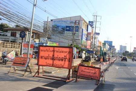 Pattaya has hired Inthana Construction Co. to resurface Sukhumvit Road in South Pattaya.