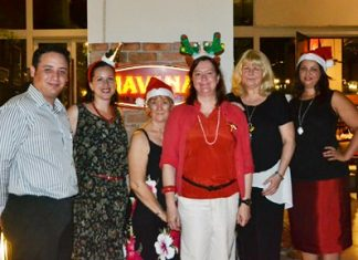 (L to R) Bernardo de la Garza, F&B Manager at the Holiday Inn, joins PILC members Raegan Barnes, Joyce Aldridge President Helle Rantzen, Sue Tait and Nancy Aly-Hegazy.