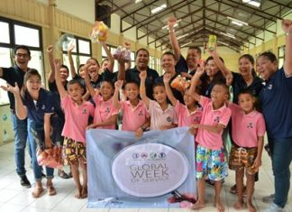 More than 50 volunteers from Hilton Pattaya donate food and culinary equipment to the Banglamung Home for Boys.