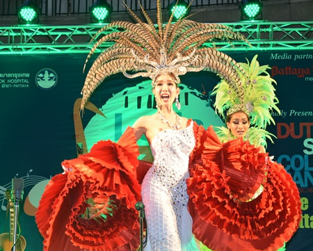 The evening included a colorful and entertaining performance from the Alcazar Cabaret Show Pattaya.