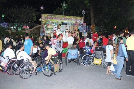 St. Nikolaus Church held a holiday fair, with lucky draws for prizes and musical performances from children, to raise money for maintenance of the chapel.