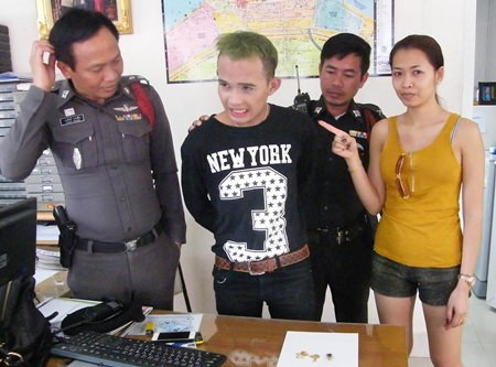 Sasithorn Namso provides police with a positive ID of the man who stole her gold.