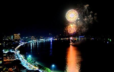 Germany's fireworks burst into 3 flowers.
