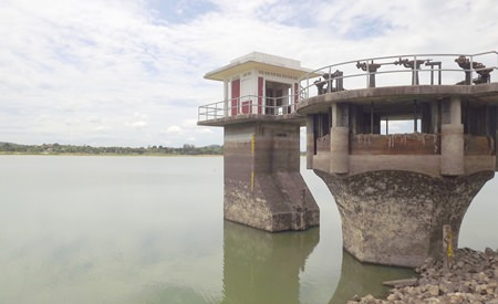 Pattaya has begun looking for private investors to build a new wastewater-treatment plant to help fulfill Pattaya's growing needs.