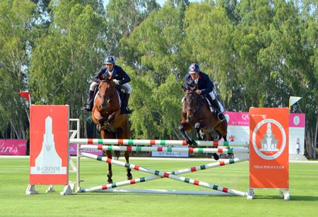 Pol. Col. Fuangwith Anirut-thewa and Krotthwat Samran showcased their show-jumping talents.