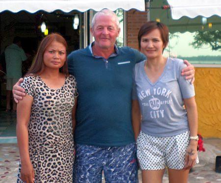 Saeng, Gerry and Thip - scramble winners at Navy.