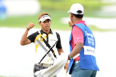 24-year-old Thanyakon Khrongpha (left) fought back in Round 4 but fell short of claiming his first Asian Tour title when he double-bogeyed the 18th hole.