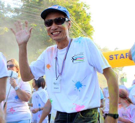 President Vutikorn of the Rotary Club of Jomtien-Pattaya gets into the spirit of the day