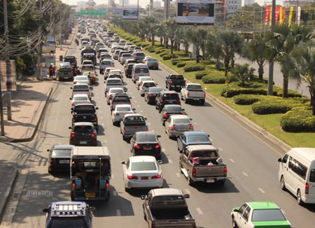Sukhumvit Highway in Pattaya is often at a standstill as holidaymakers return home after the holiday.