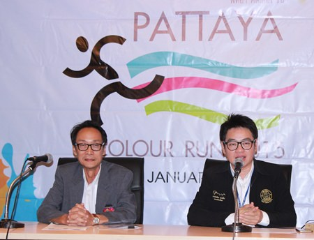 Rotary Club of Jomtien-Pattaya President Vutikorn Kamolchote (left) and Pattaya City Council member Rattanachai Suthidechanai (right) announce the much-anticipated Pattaya Color Run will take place on Big Buddha Hill this Sunday.