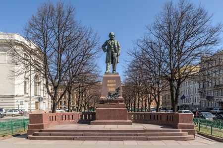 The Glinka monument in Teatralnaya Square, St. Petersburg, Russia. (Photo: Alex Florstein)