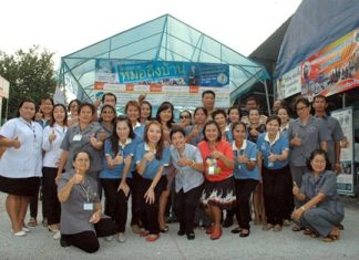 """Doctors and city officials from the """"Doctor at Home"""" program visit the Soi Khopai Community in South Pattaya."""