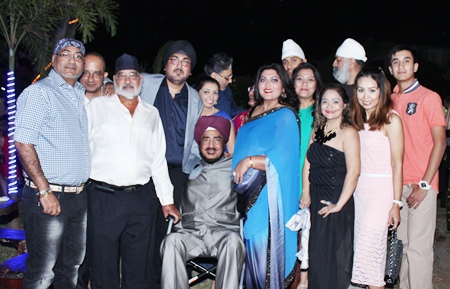 Guest of honour, P.S. Grover (centre) head of the Grover clan surrounded by family and friends gave his blessings to Bobby wishing her all the success in her new venture.
