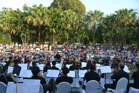 The Phornprapha Botanic Gardens provided a spectacular venue for the free  open air concert.
