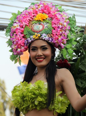 The workers from the Centara Grand Resort were very colourful.