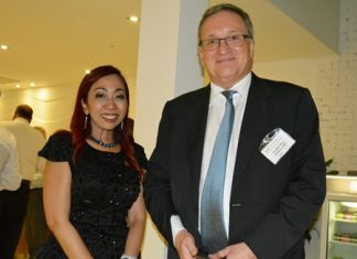 "Centara Grand Pratamnak F&B Sales and Marketing Manager Supparatch ""Amy"" Piyawatcharapun greets Australian Ambassador H.E. Paul Robilliard."
