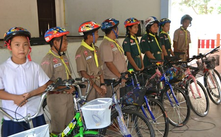 Children who showed good progress in their studies are rewarded with Rick and PSC's Bikes4Tykes.