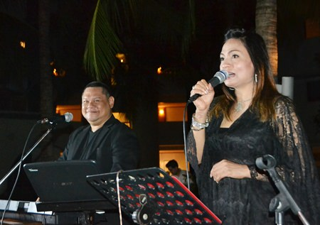 The House duo played a number of memorable Jazz numbers that act as a great backdrop for the evening.