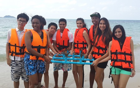 GIS students help plant coral in Pattaya.