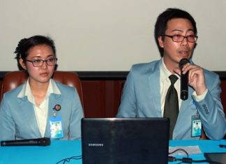 Anocha Khamsamer (left), head of the License Department and Yutasarth Yensuang (right), head of the Medical Records Department announce the new benefits offered at Pattaya Hospital.