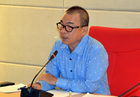 Pattaya City Manager Wuttipol Charoenpol presides over a meeting to prepare for the Songkran and Rice festivals.