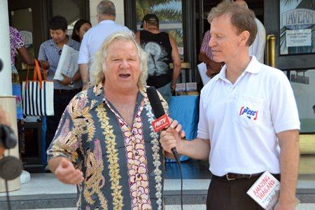 Ren Lexander interviews Brad Walker for Pattaya Mail TV. The interview video can be seen at: meeting: https://www.youtube.com/watch?v=ym G5T4w7QGk#t=15.