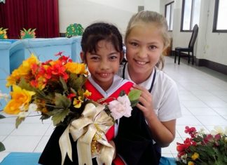 On her first Temple 2 Temple challenge in October 2013, when she cycled 459km from Ayutthaya to Angkor Wat in Cambodia, Poppy (right) raised B250,000 for a young deaf girl (left) at the Sotpattana School for the Deaf.
