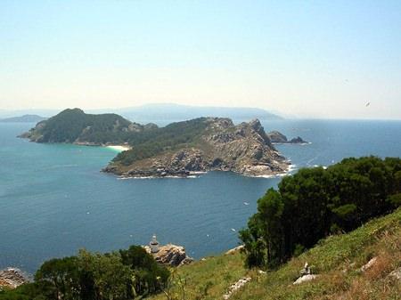The rocky coast of Rias Baixas