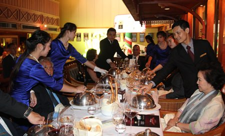 """Royal Cliff Hotels Group Managing Director Panga Vathanakul (front right) are seen enjoying the sumptuous dinner and excellent food and wine pairings during Royal Cliff's """"A Taste of Veneto"""" Italian Wine Dinner."""
